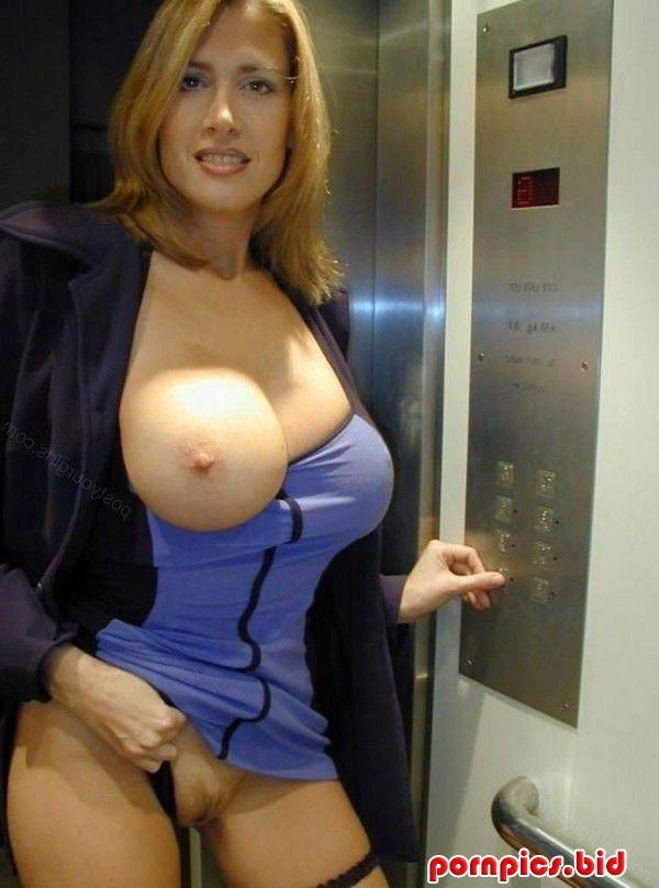 Фото голых порно зрелых женщин в лифте