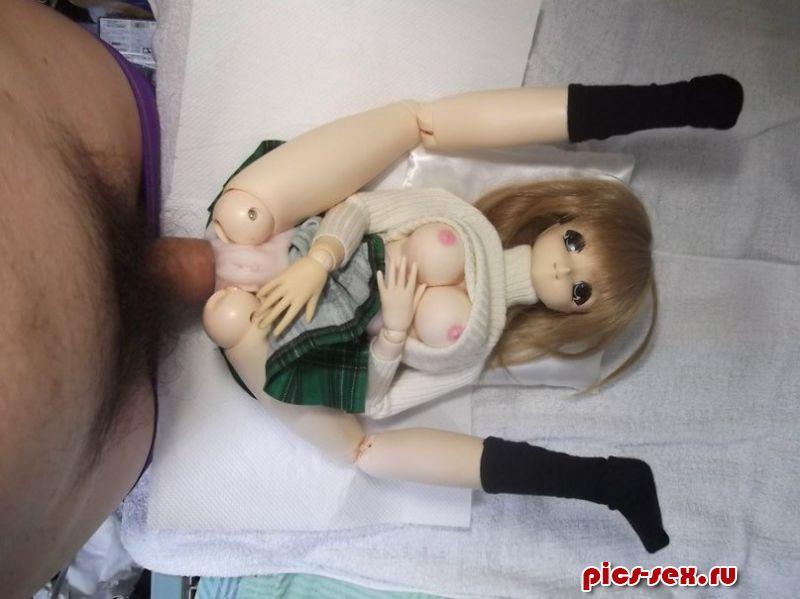 Секс с маленькой куклой