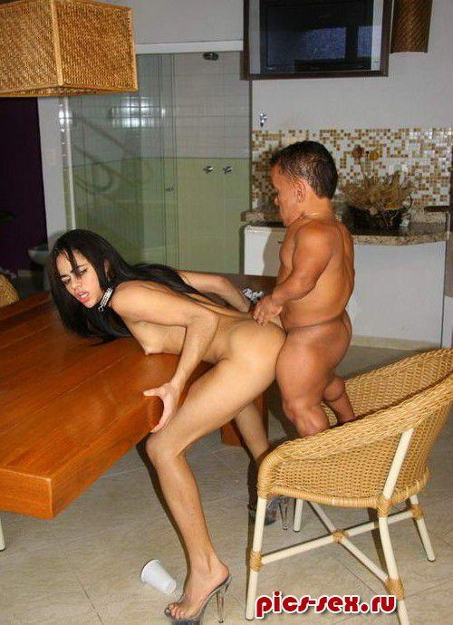Секс с карлицей  лилипуткой  Страница 2  Порно видео фото