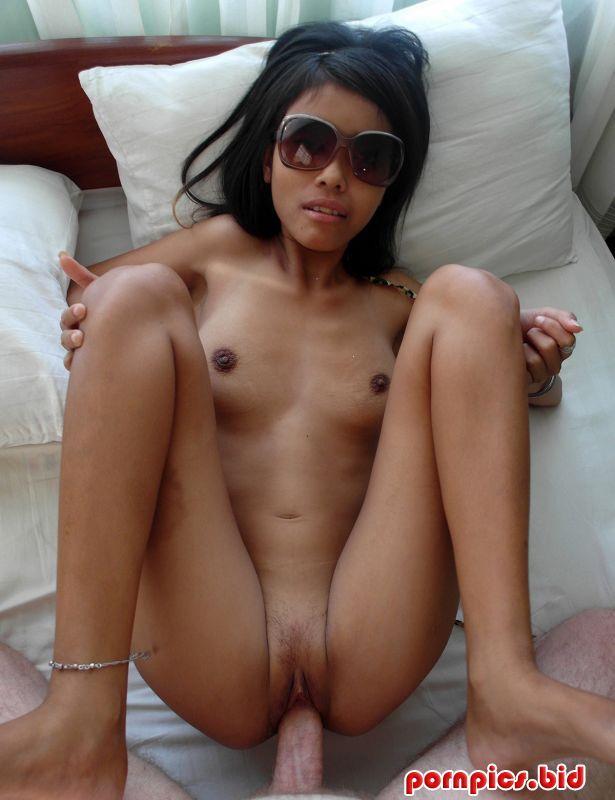 Порно миниатюрных тайских проституток