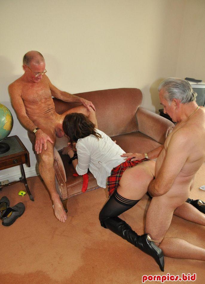 Дед и проститутка.эро фото