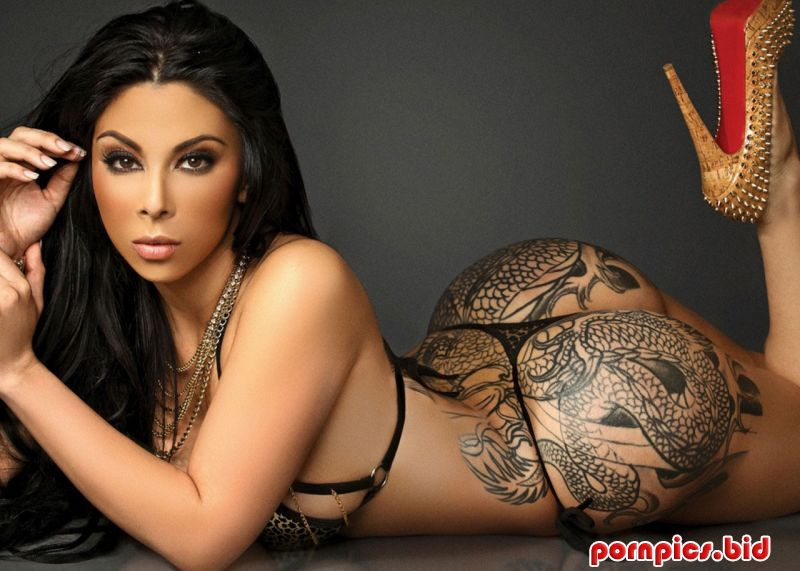 Fine Latina babe with tattoos Sydnee Taylor cockers her intimate flesh № 66461  скачать