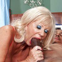 секс порно старушек бабушек фото